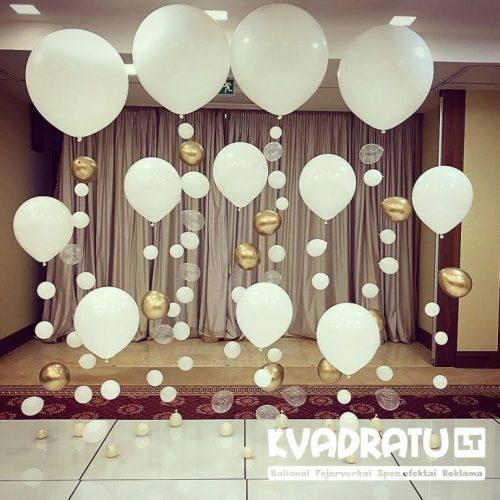 Foto sienelė iš balionų